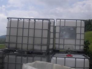 """2021-Vorrausetzungen-Wasserversorgung """"AG"""", Sollte auf der Baustelle die Wasserversorgung vor Ort nicht gewährleistet sein, kann dies durch vorherige Absprache mit uns, durch einen transportablen Wassertank ca 1000l ermöglicht werden"""
