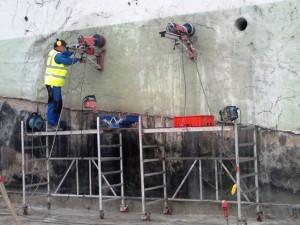 2021-Startseite Baustellenbilder, Kernbohrungen als Eckbohrungen bei Fenster-  Türausschnitten